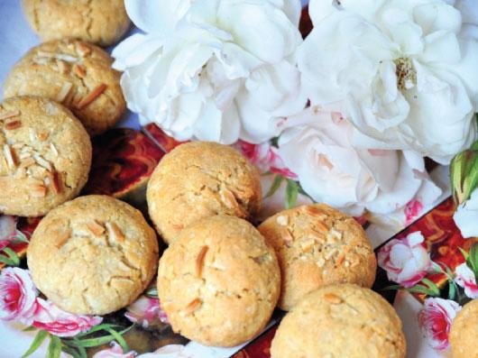 شیرینی شكلات سفید و نارگیل