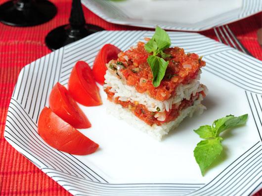 پلوی قالبی با گوجهفرنگی