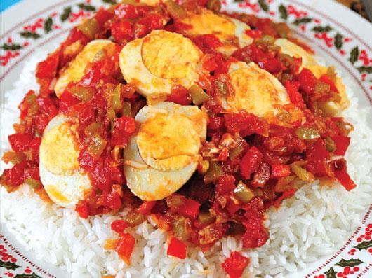خوراك تخممرغ با برنج و ادویه