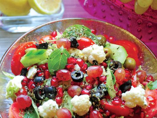 سالاد انگور و زیتون