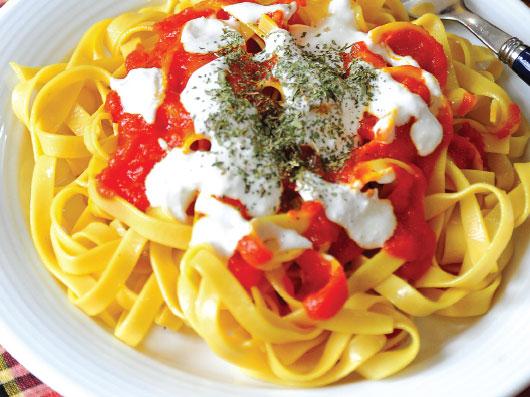 پاستای گوجه فرنگی (افغانی)