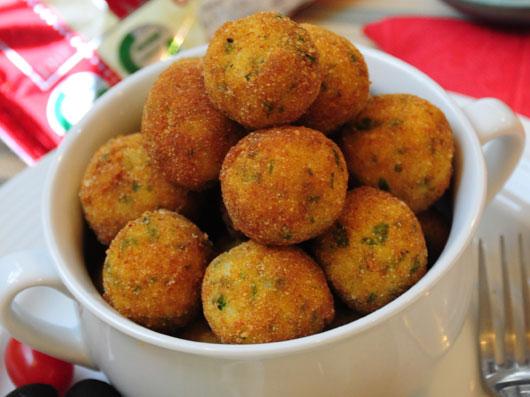 توپهای برشته برنج و پنیرموزارلا
