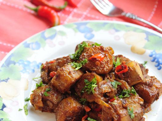 بادمجان مولی (غذای هندی)