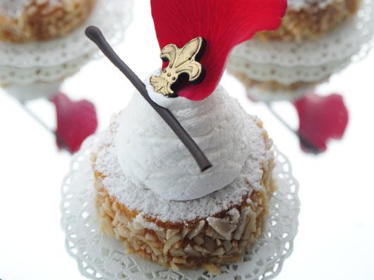 کیک بادام و سیروپ
