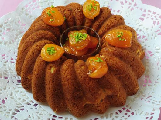 کیک بادام و زردآلو