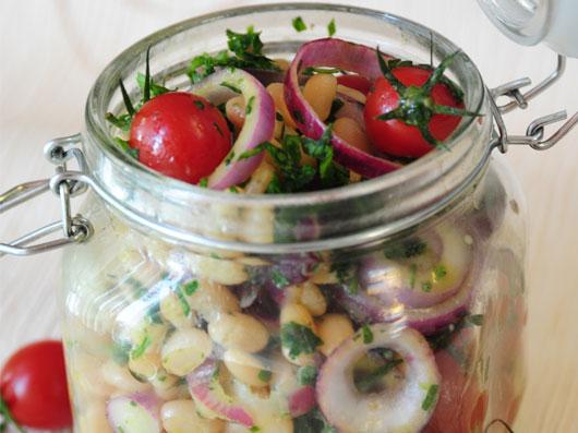سالاد لوبیا سفید و گوجهفرنگی