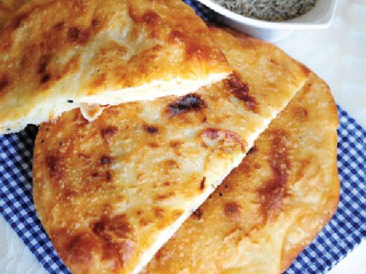 نان پِراتا با سیب زمینی (هندی)