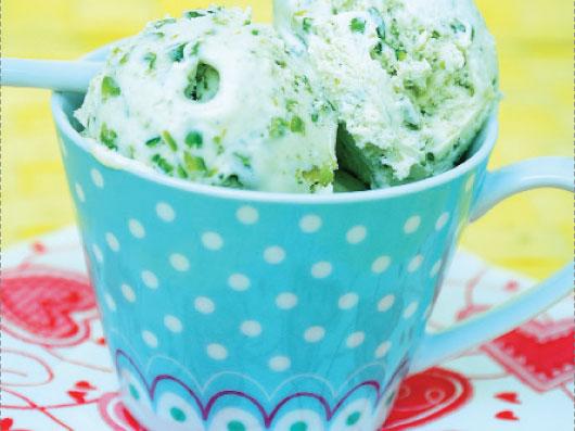 بستنی پسته