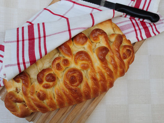 نان گردو و دارچین