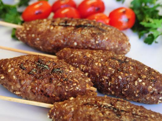 كباب كوبیده با هوموس و تبوله (لبنانی)