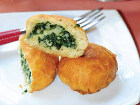 دونات پنیر و اسفناج