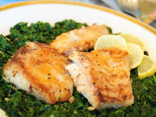 خوراك ماهی و اسفناج