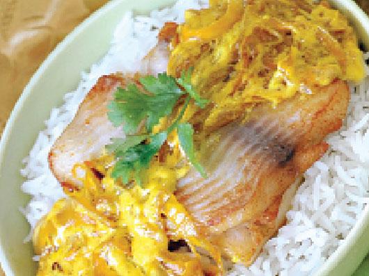خوراك ماهی با كاری