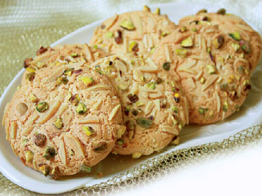 غذاها، شیرینیها و نانهای سنتی تبریز
