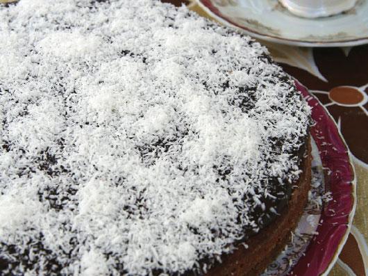 طرز تهیه کیک شكلات و نارگیل