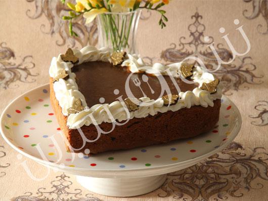 کیک موز با سس باتراسکاچ