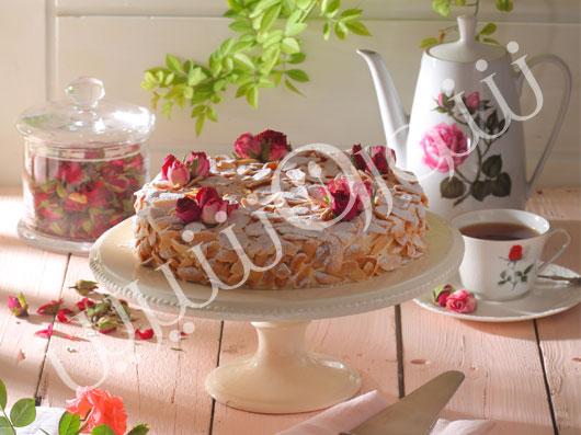 کیک بادام با کرم دیپلمات
