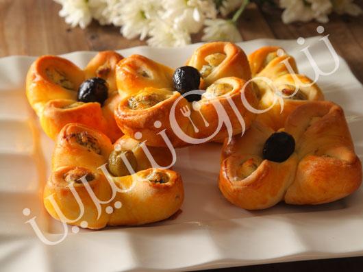 لقمههای پنیر و زیتون