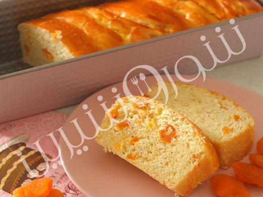 نان پنیر و زردآلو