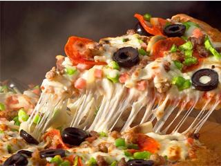 پنیر؛ پای ثابت پیتزا