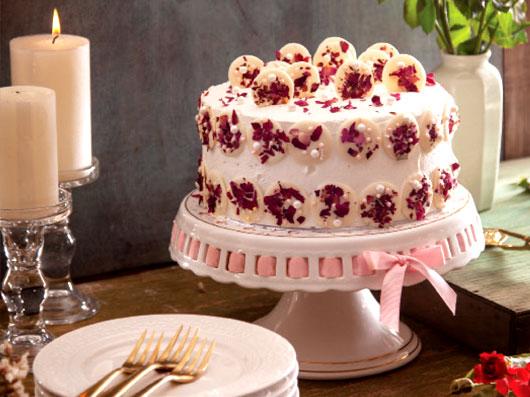 ماد کیک شکلات سفید و گل رز
