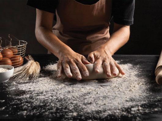 کاربردهای خمیرمایه در تهیه نان و شیرینی