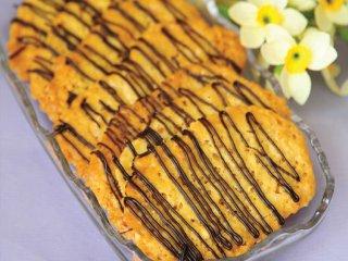 شیرینی بادامی عسلی
