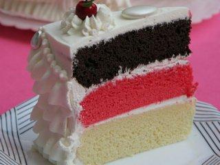 كيك سه رنگ | آموزش پخت کیک سه رنگ