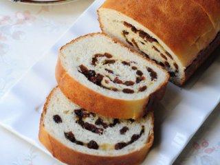 نان رول كشمشی