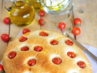 نان با گوجهفرنگی برشته