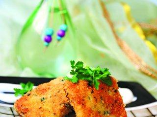 ماهی برشته با سبزی معطر