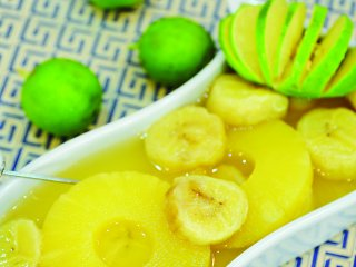 كمپوت موز و آناناس