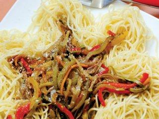 اسپاگتی با سس سبزی
