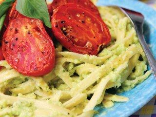 گوجهفرنگی كبابی با پاستا و ریحان