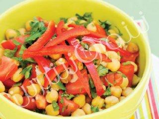 سالاد نخود و گوجه فرنگی
