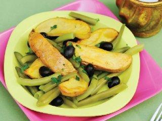 سالاد سیب زمینی و لوبیا سبز
