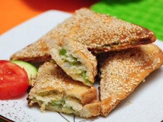 ساندویچ پنیر و سبزیجات