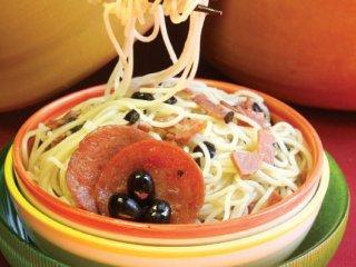 اسپاگتی با پپرونی