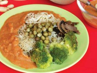 ماكارونی سوخاری و سبزیها