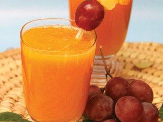 نوشیدنی مخلوط میوههای استوائی