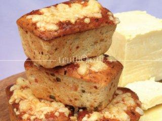 نانهای كوچك پنیر و پیازچه