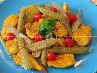 خوراک مرغ و کرفس