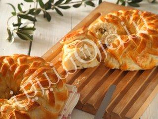 نان حصیری  زیتون و پنیر