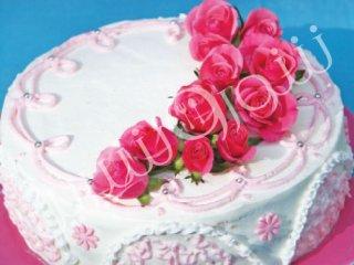 كيك تر با تزئين خامه و گل رُز | طرز تهیه کیک