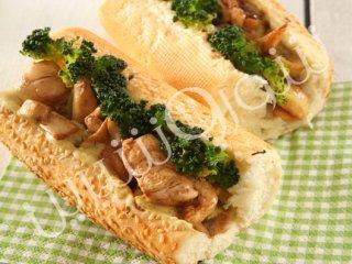 ساندويچ  مرغ  با سسكاری
