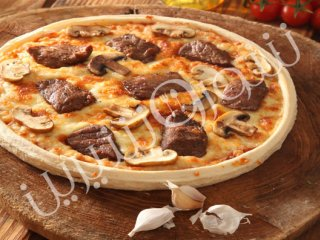پیتزا  سیر و استیک