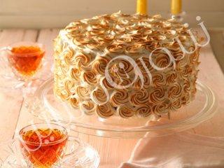 کیک شکلات سفید با مرنگ