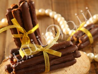 چوبک شکلاتی