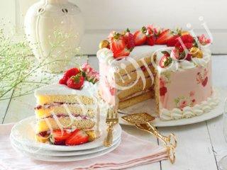 کیک توت فرنگی و شکلات