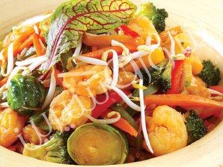 خوراک میگو و سبزیجات